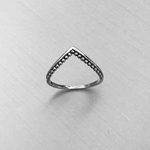 Jewelry - Sterling Silver V Shape with Dots Ring